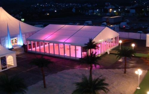 篷房可用于婚礼、聚会、贸易展览、体育赛事